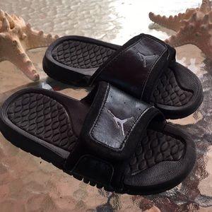 5982f1160b36ad Jordan sandals kids